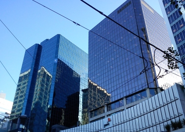2012-04-16 Wgtn reflections and bldgs (3)