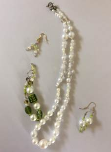 listing #363404 necklace - pearly white ice (2)