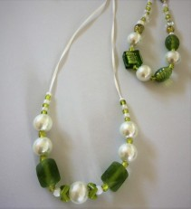 listing #363408 necklace & bracelet - pearly mint and lime (10)